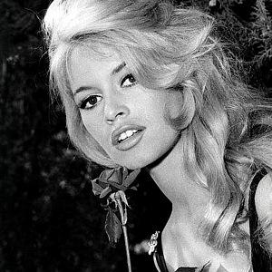 Brigitte Bardot na černobílém snímku