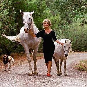 Brigitte Bardot s koňmi