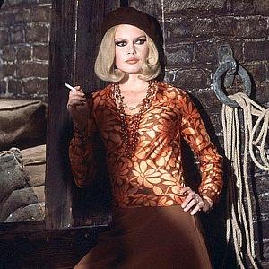 Brigitte Bardot v baretu