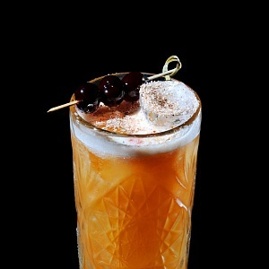 Bugsy's rum punch