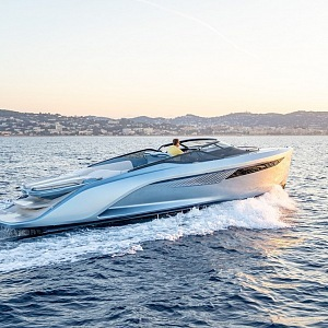 Princess R35 v Cannes