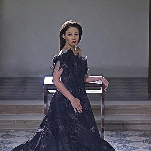Agáta Prachařová, šaty: Natali Ruden, foto: Jaroslav Urban