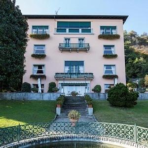 Vila Mondadori ve své kráse