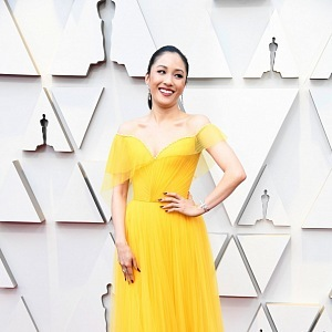 Constance Wu - šaty Versace