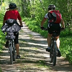 Na kole i pěšky odhalí každou cyklostezku