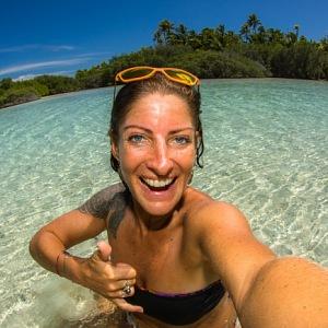 Fotky v tyrkysové vodě na osamělých plážích jsou dráždivé. Francouzská Polynésie