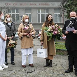 David s lékařkami a paní a slečnou Zemanovou.