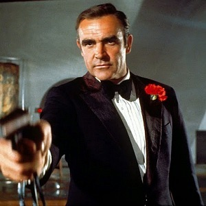 Sean Connery uměl být i v obleku drsný.