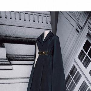 Černé šaty z kolekce Dior Fall 2020 Haute Couture