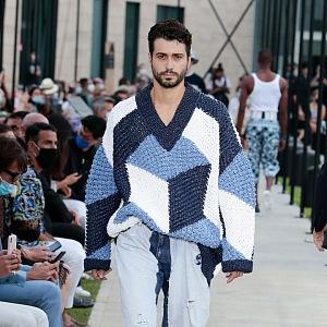 Muž ve svetru Dolce & Gabbana