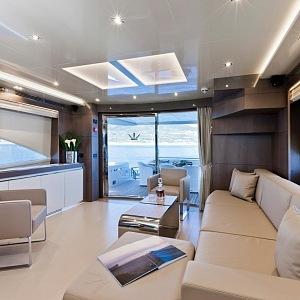 Luxusní jachta Dominator