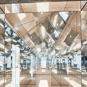 Úžasný zrcadlový interiér