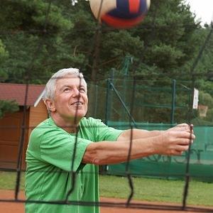 Jan je velkým celoživotním sportovcem.