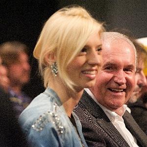 Manžel a dcera Eva jí dělají největší radost.