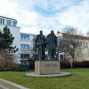 Pomník Ticho Braha a Keplera