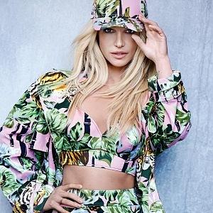 Britney Spears v nové kolekci Kenzo Memento.