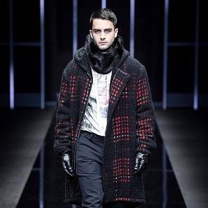 Emporio Armani nabízí luxusní zajímavou módu