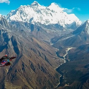 Skydiving z vrcholu Mount Everestu