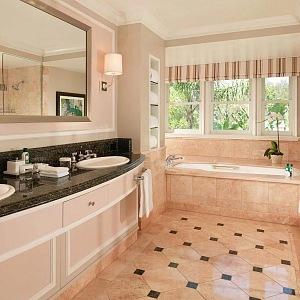 Luxury bathroom in the Marilyn Monroes bungalow