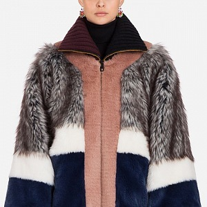 Hravé barvičky Dolce&Gabbana, které doplní každý outfit.