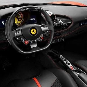 Ferrari Tributo F8, místo pro řidiče