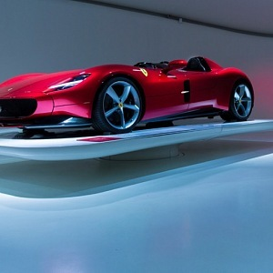 vystavené Ferrari v muzeu
