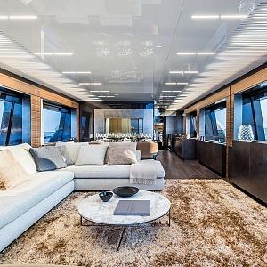 Ferretti 920 jachta, salon