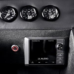 "Mil-Spec Automobil Hummer H1 ""Launch Edition"", interiér v detailu"