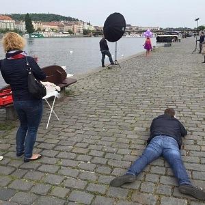 Fotografové jí padají k nohám...