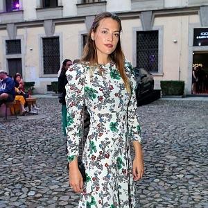Kateřina Sokolová - šaty ALIZÉ, šperky Boucheron