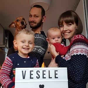 Gabriela s manželem a syny o Vánocích