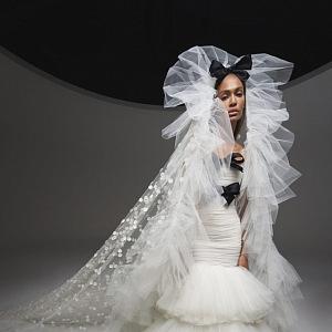 Bílé šaty Giambattista Valli Fall 2020 Haute Couture