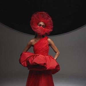 Červené šaty Giambattista Valli Fall 2020 Haute Couture