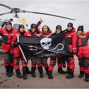 With the Sea Shepherd team, the Sea and the Oceans and Animals in the World will save the world.