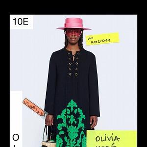Žena v černém saku a sukni Gucci Resort 2021