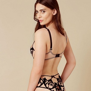 Model Haylie