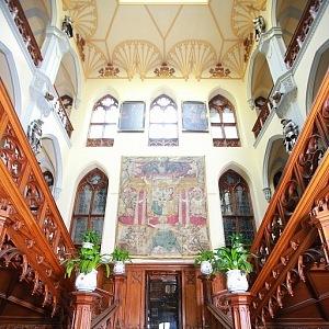 Hluboká Castle, entrance hall