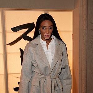 Celebrity nosí H&M - Winnie Harlow