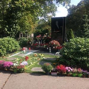 Hrob Karla Gotta 1. října 2020.
