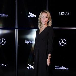 Linda Bartošová, šaty Zuzana Kubíčková