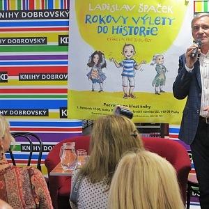 Křest knihy moderoval Jan Čenský