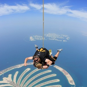 Veronika skidiving nad Palm Jumeirah