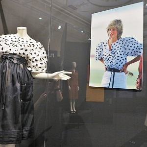 The dress made of his fabrics wore princes Diana