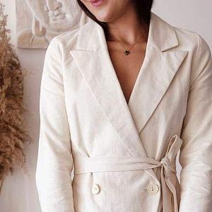 Její módní značka White Sage si zakládá na přírodních materiálech.