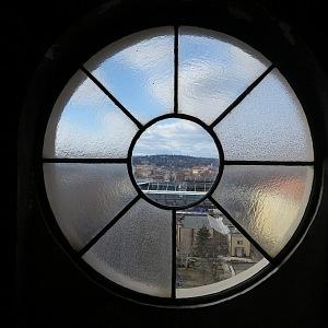 Výhledy z půdního okna