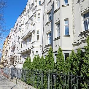 Ovenecká Street, Bubeneč, Prague