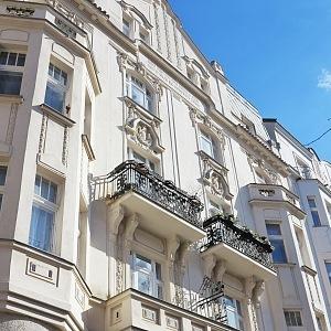 Ovenecká Street - luxurious architecture