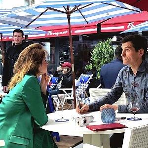 Bar na zahradě hotelu Majestic Barriere Cannes