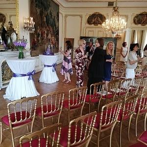 Prostory francouzské ambasády jsou naprosto luxusní!