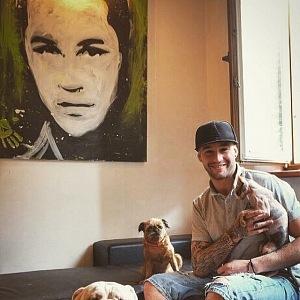 Sámer loves dogs